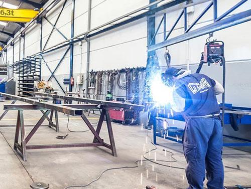CIERRES Y CERRAMIENTOS - Industrias Metálica la Azucarera